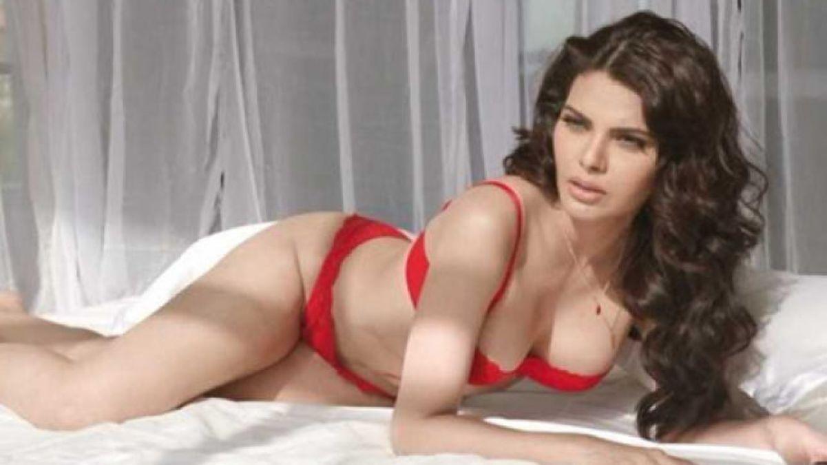 VIDEO: Sherlyn Chopra looking damn hot in her new video, watch it here