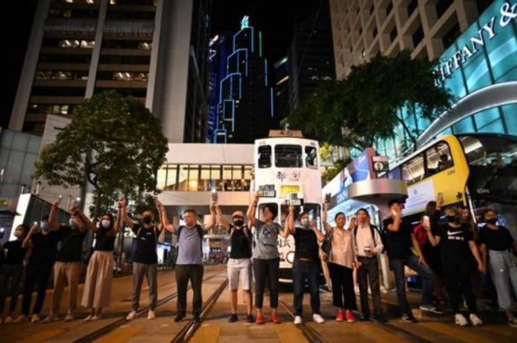 45-km-long human chain built by two million people in Hong Kong to protests against China