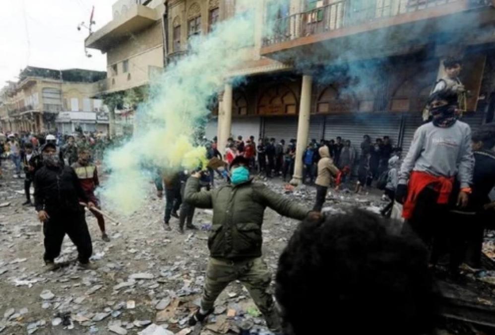 Iraq Protesters Burn Down Iran Consulate Again