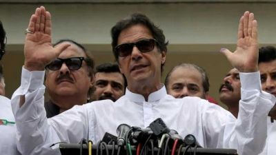 Three veteran leaders become headache for Imran's government, playing hide and seek in politics