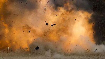 Woman  terrorist blew herself up at hospital gate, 6 killed, several injured
