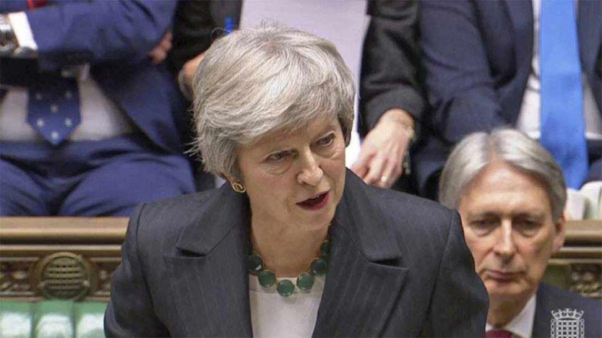 ब्रिटिश पीएम टेरेसा मे ने दिया औपचारिक इस्तीफा, अब कार्यवाहक पीएम के रूप में संभालेंगी काम