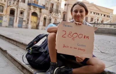 Grandson walks 1100 km from Italy to meet grandmother in 93 days