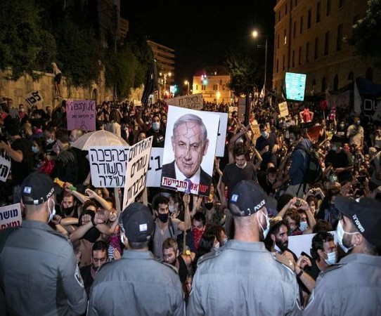 इजराइलियों पीएम बेंजामिन के खिलाफ शुरू किया प्रदर्शन, कर रहे इस्तीफे की मांग