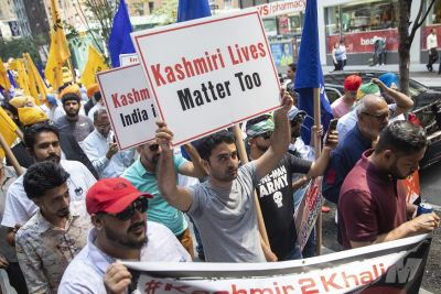 Indian High Commission in London targeted by thousands of Pakistani protesters