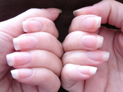 Ways to remove roughness of your nails