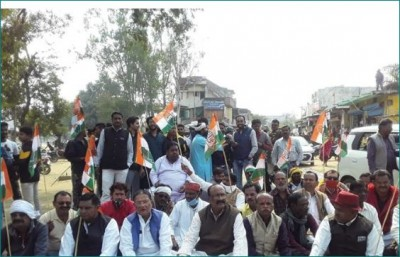 Congress leaders took to the streets with farmers in these areas of MP