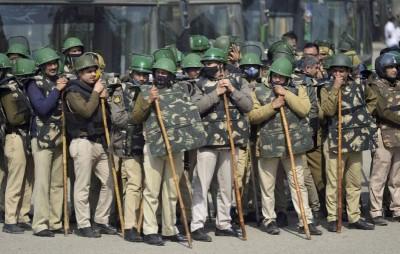 Administration alert regarding farmers' Chakka jam, 50 thousand soldiers deployed in Delhi