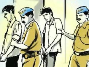 Police busted betting gang in Mumbai